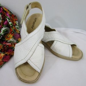 Comfortable White Adjustable Back Leather Sandals